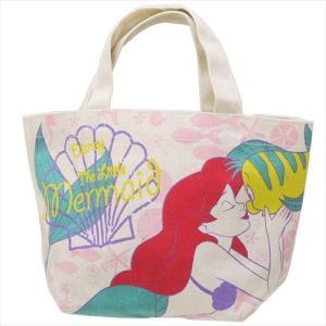 おしゃれでカワイイお気に入りの鞄やお財布で出かけよう。大人気ディズニーキャラクターグッズにまたまた可...