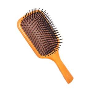 ブラシ部分が頭皮に刺激を与えマッサージ効果を高めるハニーウッドを使用したヘアブラシです。 ブロードラ...