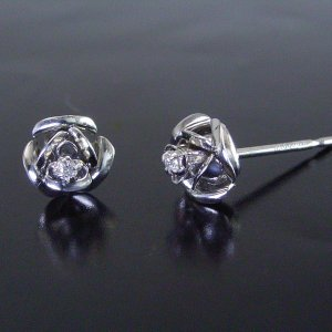 プラチナ 天然 ダイヤモンド ピアス 薔薇 ギフト 3営業日前後の発送予定|venusjewelry|03