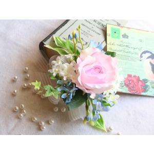 ソフトピンクのバラのコサージュ vertpalette-store