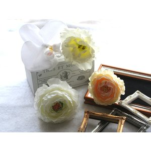 胡蝶蘭とラナンキュラスの髪飾り:HA049|vertpalette-store