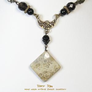 パワーストーン天然石 フォシルコーラルスクエア 珊瑚の化石 皮ひも チョーカーvj|veryjam