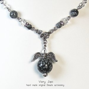 パワーストーン天然石  スノーフレークのプチ天使 ネックレス|veryjam