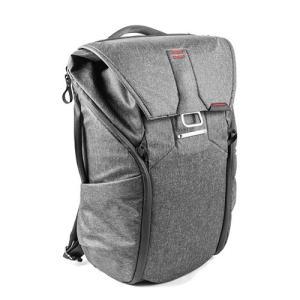 旅行やハイキング、通勤通学にも使える、オールマイティーなバックパック ・自由度の高い中仕切りFlex...