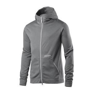 暖かく機能的なフリースフードジャケットです。生地に採用したPolartec Power Dryは透湿...