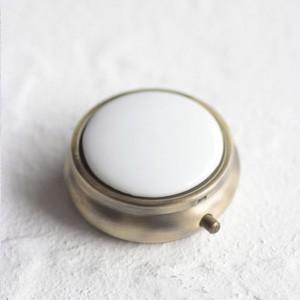 ポーセラーツ 白磁 雑貨 コンパクトケース (アンティークゴールド) 北欧風|victoriadesign
