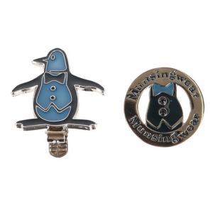 ●定番的なペンギンモチーフのクリップマーカー。ペンギンの胸のボタンにはラインストーンをあしらっており...