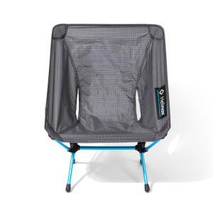 ●「チェアワン」の快適な座り心地を継承しながら、軽量コンパクト性を追求したモデルです。シートには薄手...