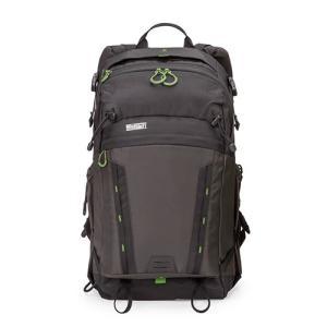 バッグを降ろすことなくすべての機材にアクセス可能    収納例  標準サイズのDSLR1台、標準サイ...