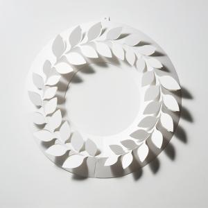月桂樹 S ペーパー リース ローリエ 伊藤千織 デザイン 一年中飾れる メール便 対応 日本製 ホワイト PW02-S-205 おしゃれ 春 スプリングの画像