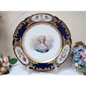 フランス アンティーク、ルイ16世妃マリーアントワネットのキャビネットプレートになります。背面にMa...