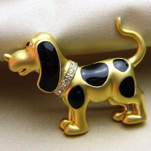 七宝ブローチ 七 ビーグル犬アクセサリー ゴールド黒|vivace-yokohama