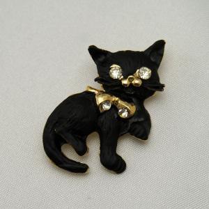 リボンを結んだ黒猫のブローチ|vivace-yokohama