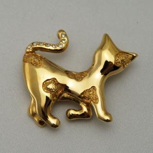 横向きネコのブローチ ゴールド|vivace-yokohama