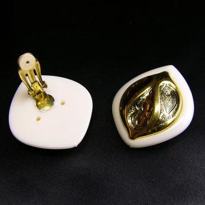 イヤリング ドイツ製 プラスティク リーフ アイボリー|vivace-yokohama