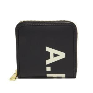 アーペーセー(APC)の二つ折り財布です。シックなモノトーンカラーにゴールドの金具の映える、大人好み...