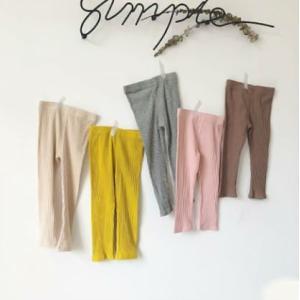 秋冬には欠かせないアイテム!人気のリブレギンス! スカートやショートパンツに合わせて履いてお洒落に!...