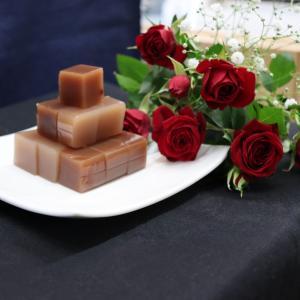 母の日 の プレゼンント に 薔薇 好きの為の羊羹|wagasi-denpudo