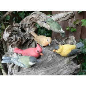 商品詳細商品説明森の仲間たち 新バード5羽セットの置物です。枝の上のカワイイ小鳥達です。森の雰囲気が...