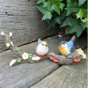 商品詳細商品説明森の仲間たち 小鳥2羽の置物です。枝の上のカワイイカップルです。森の雰囲気がでる可愛...