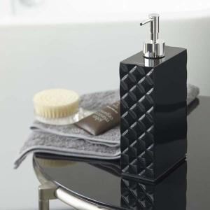 ○カバーを取り外して詰め替えができます。○詰め替え用パックなどがそのまま入ります。○液体をそのまま入...