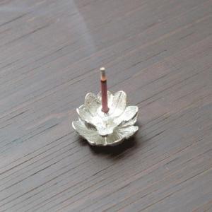 錫香立て(蓮)(アジアン バリ 香炉に合うアジアン 雑貨 香炉 仏具 お香立て お香 セット 中国 インセンスホルダーや蓮 ロータス インドネシア ア|wanon333