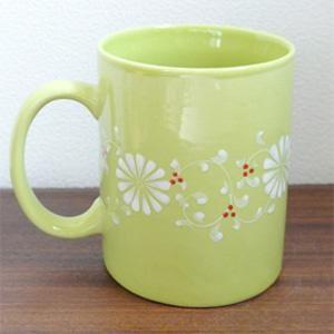 フラワーマグカップ[グリーン]持ち手の付いたお花柄の大きなマグカップ。高温焼きした陶磁器なので従来のバッチャン焼きよりも丈夫です(ベトナム バッチャ|wanon333