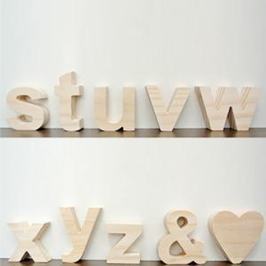 (アルファベット オブジェ 小文字(s〜z/その他記号)アルファベット 木製 文字 パーツ 小文字 結婚式のウェルカムボード サインや表札。インテ|wanon333