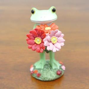 (ガーベラを持つ カエル)カエル 置物 コポーやカエル グッズ 雑貨(アジアン雑貨)風水にもおすすめのカエルの置物(かえる 蛙 フロッグ)縁起物|wanon333