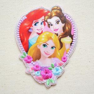 ディズニーの人気キャラクター・アリエルとベルとラプンツェルのハート型のかわいい ワッペンです。  大...
