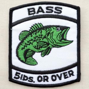サイズ(約):タテ9cm×ヨコ7.5cm  ホワイト/グリーン/ブラック。縦長四角形。 魚(ブラック...