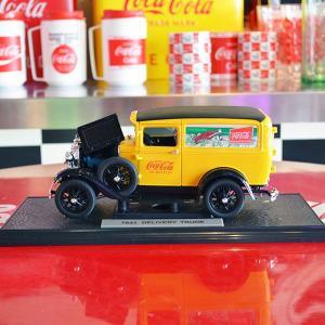 コカコーラ Coca-Cola ミニカー 1931年 フォード モデルA(1/18) *メール便不可|wappenstore