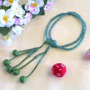 女性用の日蓮宗派数珠になります。 桐箱にお入れいたします。   玉の種類 印度翡翠   商品説明 印...