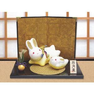 ちりめん細工「金色満月 親子跳ねうさぎ」 リュウコドウ 和雑貨 置物|wasai-kobo