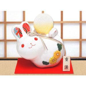 ちりめん細工「満月と菊うさぎ親子」 リュウコドウ 和雑貨 置物|wasai-kobo