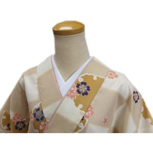 二部式 着物 袷 女性用 洗える ユニフォーム 薄茶きなり市松地雪輪桜 M L|wasakura-an|03