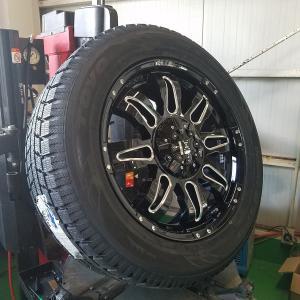 数量限定 スタッドレス エスカレード,タホ,サバーバン,プラド,FJ Balano offroad style トーヨー Gsi5 275/55R20 20インチ 1台分 4本セット 国産タイヤ|wat