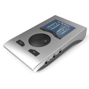 ■ クラスを超えたオーディオ性能 ・ダイナミックレンジ: 118 dBA ・周波数特性(DA): 0...