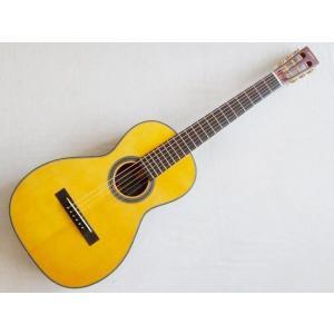 パーラーギターとほぼ同じ小さめのボディ。(ノクターンで30cm巾)でも厚さがあるので、音の深みが確保...