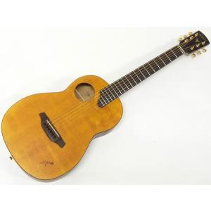 自宅で、ゆっくりとした時間に弾くのにぴったりなパーラーギターです。 しかし、パーラーギターと侮っては...