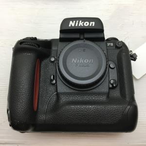 比較的きれいな ニコン 一眼レフカメラ F5ボディ 3139620