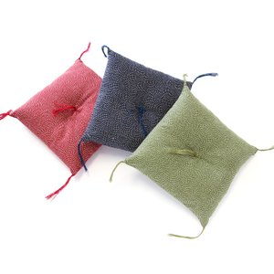 20cm角ミニ座布団 鮫小紋 (座卓、脚布団・置物、飾り物の敷物などに)|watayamori
