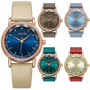 カットガラスがとても綺麗でジュエリーのようなかわいい腕時計です。 サイズ感も女性らしく落ち着いた印象...