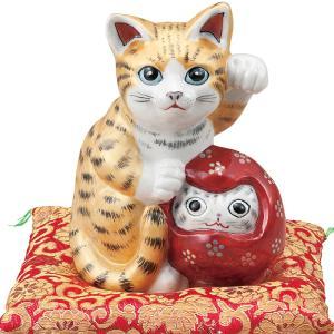 ■ここがポイント! 招き猫は右手で金運を招き、左手でお客を招きます!達磨さんを抱えたこの猫くんは商売...