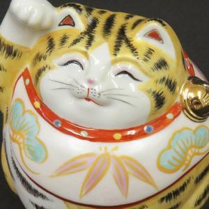 金の毛並みを持ったウェスト30cmのスゴイ猫!!ご覧下さい、この恰幅のよさ!太っ腹に『福』を招く太っ...