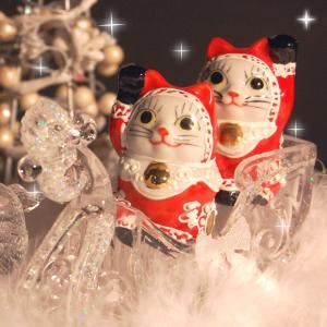 クリスマス限定!奇跡を呼ぶ♪ちびサンタ招き猫! 九谷焼の招き猫には色にも様々な願いが込められています...