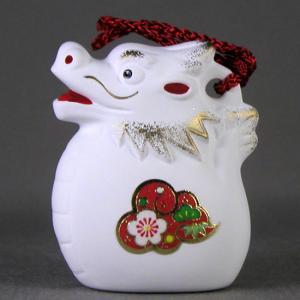 陶の干支人形。 ミニミニサイズですので気軽に飾れます。 土鈴ですので、振るところころと良い音がします...