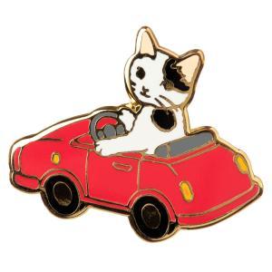 可愛らしい猫たちがそれぞれ道具を使いこなし、まるで人のように暮らす姿をピンバッヂにしました。ただ、そ...