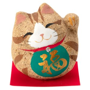 桐の粉を固めて作った可愛らしい招き猫。 固めて作ったので細かい木片が猫の毛のようになり、陶器の物より...