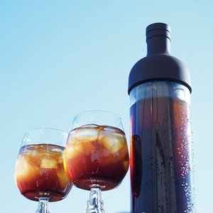 5880円(税込)以上で送料無料!  【商品概要】  ワインボトル型の手軽に水出しコーヒーが作れるポ...